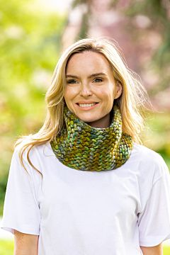 Super Soft Hand Made Snood Green