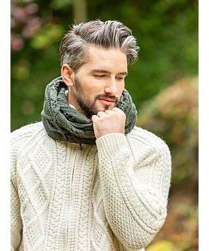 Super Soft Wool / Cashmere Blend Twisted Scarf - Forest Green
