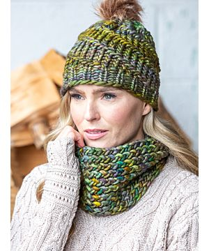 Handmade in Ireland - Snood and Bobble Hat Set - Green