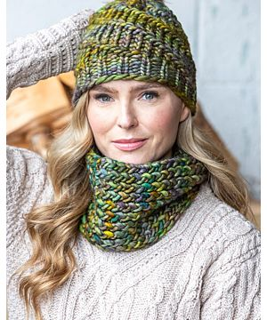 Made in Ireland Snood and Hat Set Green