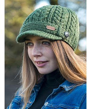 Aran Cable Knit Peak Hat Green