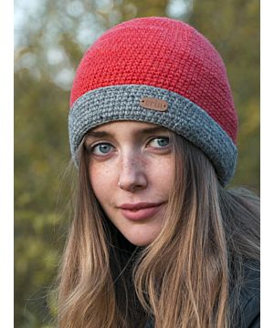 Irish Crochet Hat Raspberry