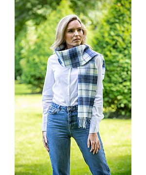 100% lambswool blue and white scarf