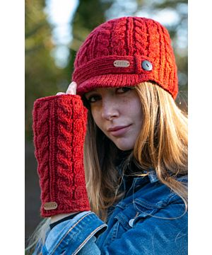 Aran Cable Knit Peak Hat Red